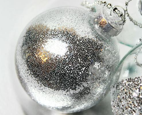 glitter in plastic ornament3